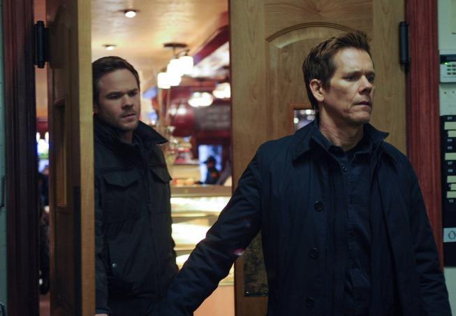 The Following: Kevin Bacon e Shawn Ashmore in una scena dell'episodio Freedom della seconda stagione