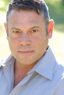 Una foto di Chris Villa