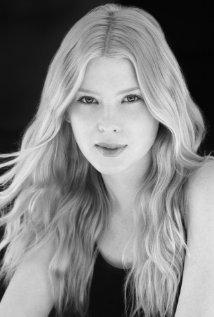 Una foto di Emma Booth