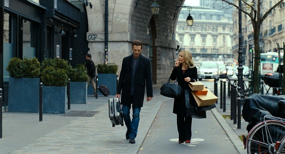 Mister Morgan: Gillian Anderson insieme a Justin Kirk in una scena
