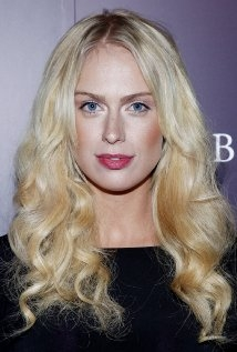 Una foto di CariDee English