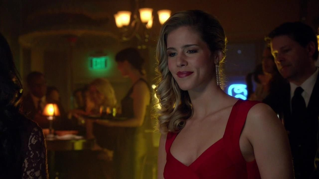 Arrow: Emily Bett Rickards in una scena dell'episodio Doppio gioco