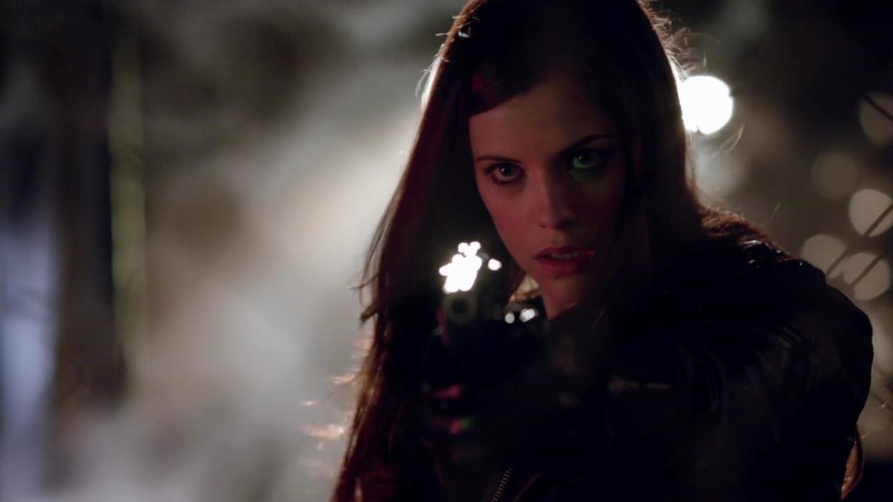 Arrow: Jessica De Gouw nell'episodio Vendetta