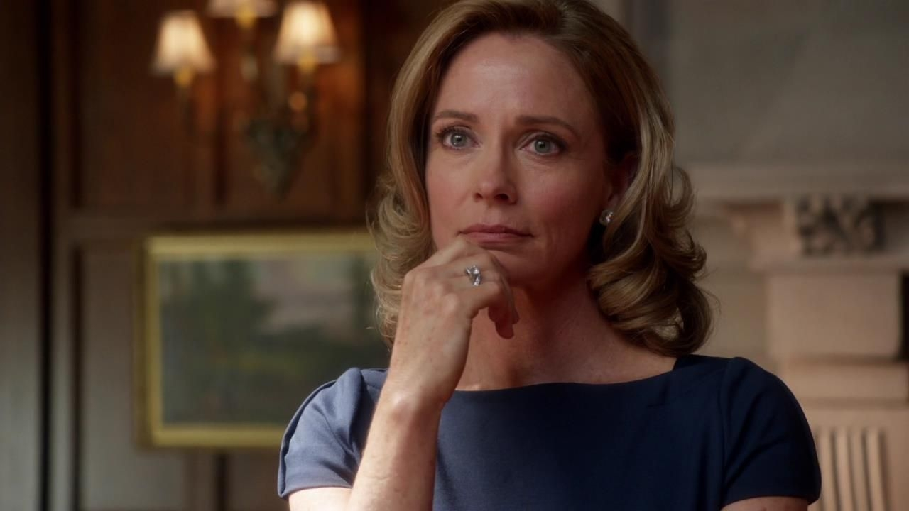 Arrow: Susanna Thompson nell'episodio Vendetta