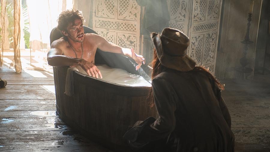 Black Sails: Toby Schmitz in una scena dell'ottavo episodio della prima stagione