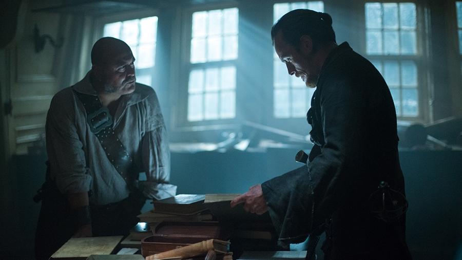 Black Sails: Toby Stephens e Mark Ryan nell'ottavo episodio della prima stagione