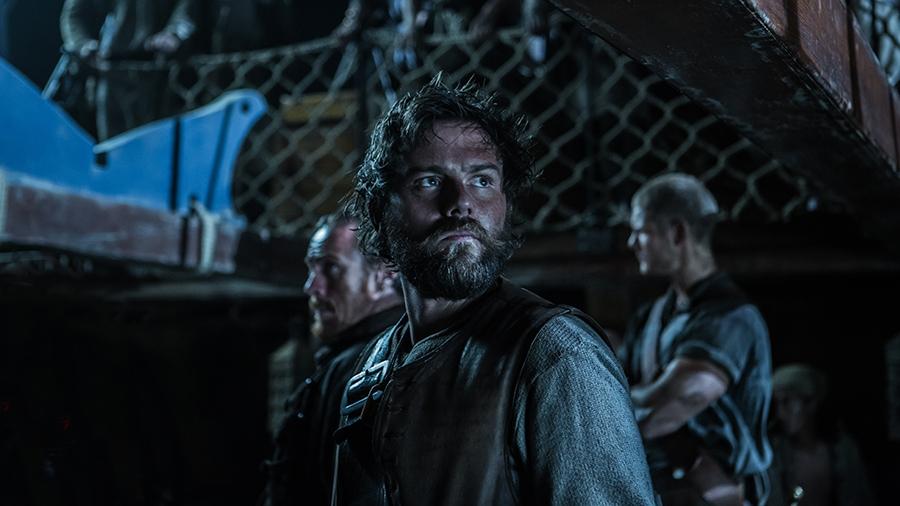 Black Sails: Toby Stephens e Tom Hopper nel sesto episodio della prima stagione