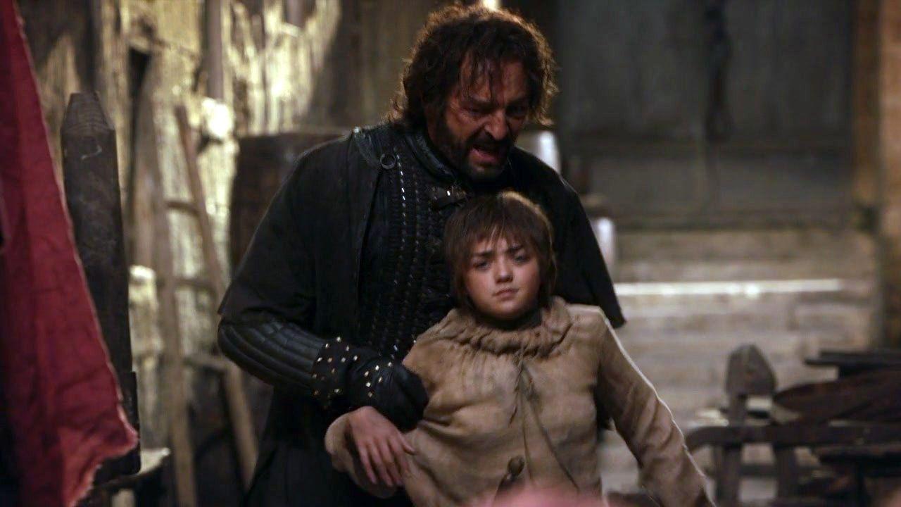 Il trono di spade: Maisie Williams e Francis Magee in una scena di Il nord non dimentica
