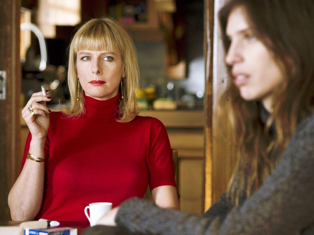 L'amour est un crime parfait: Maïwenn e Karin Viard in un momento del film