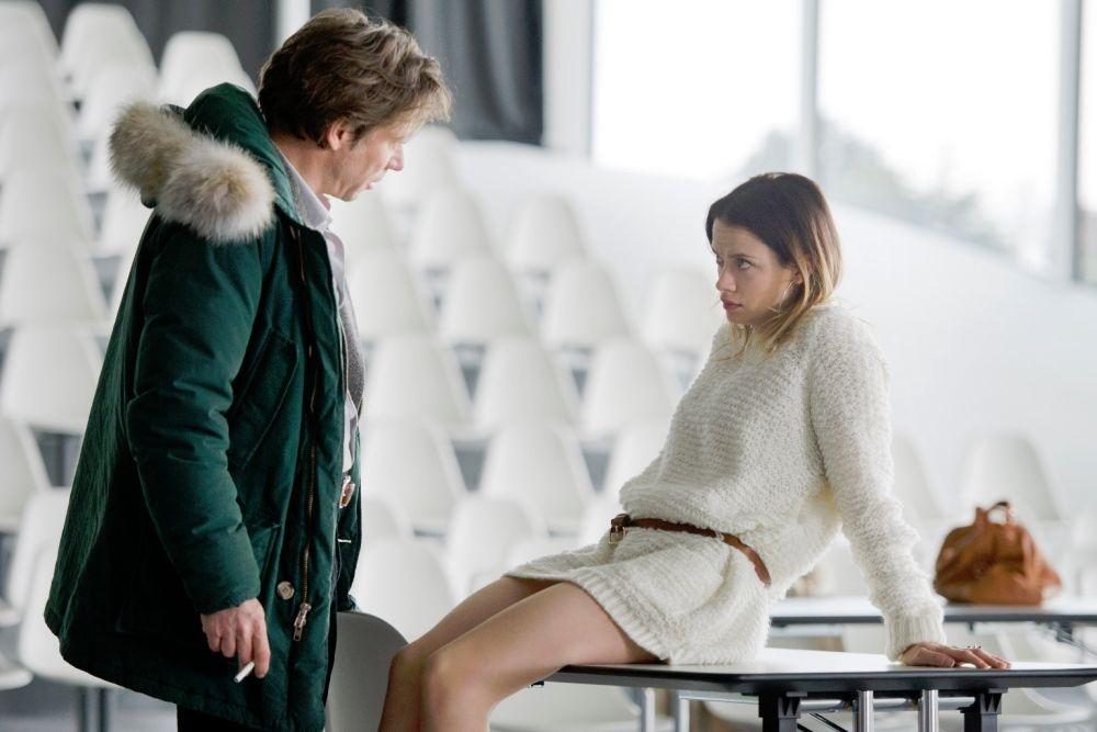 L'amour est un crime parfait: Mathieu Amalric con una provocante Sara Forestier in una scena del film