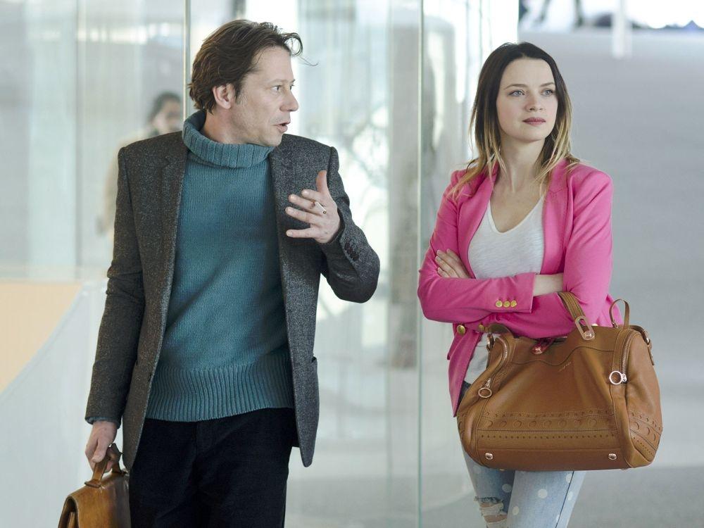 L'amour est un crime parfait: Mathieu Amalric discute con Sara Forestier in una scena del film