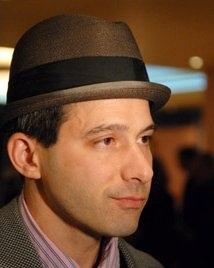 Una foto di Adam Horovitz