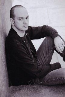 Una foto di Grant Varjas
