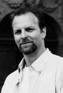 Una foto di Monty L. Simons