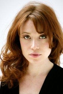 Una foto di Daisy Lewis