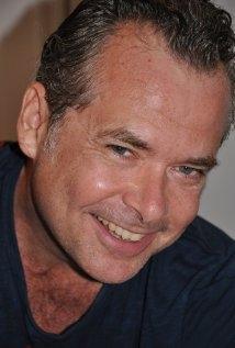 Una foto di Frank Lewallen