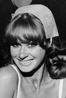 Una foto di Carol Cleveland