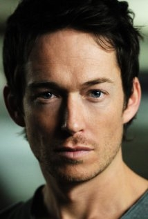 Una foto di Simon Quarterman