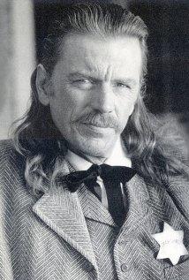 Una foto di Earl W. Smith
