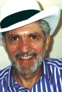 Una foto di Herb Freed