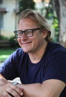 Una foto di Kriv Stenders