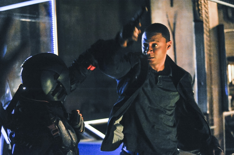 Arrow: David Ramsey nell'episodio The Man Under the Hood