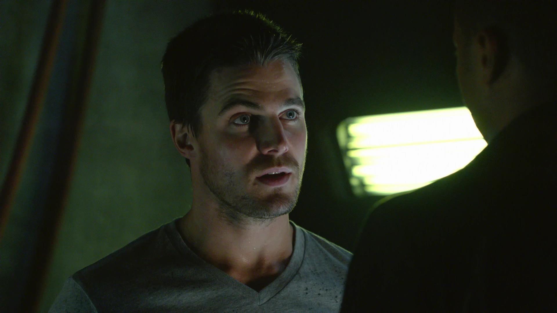 Arrow: Stephen Amell in una scena dell'episodio La prova, prima stagione