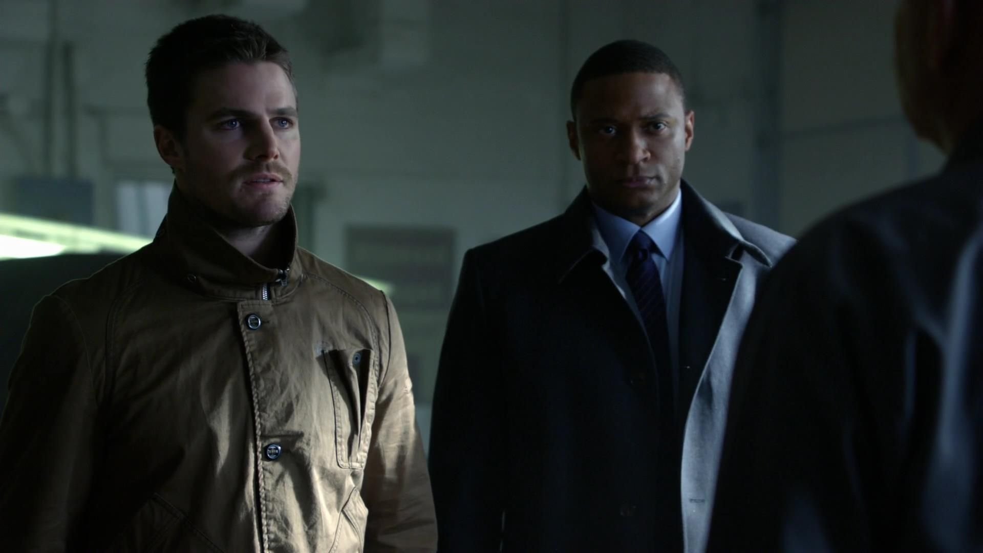 Arrow: Stephen Amell insieme a David Ramsey nell'episodio Vertigine