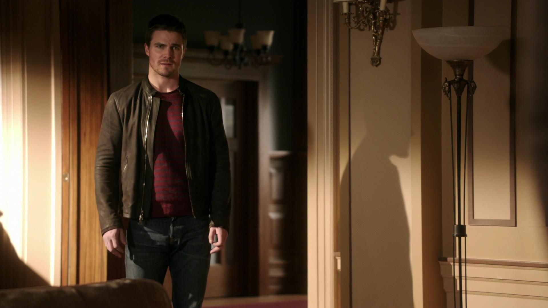 Arrow: Stephen Amell nell'episodio Vertigine, della prima stagione