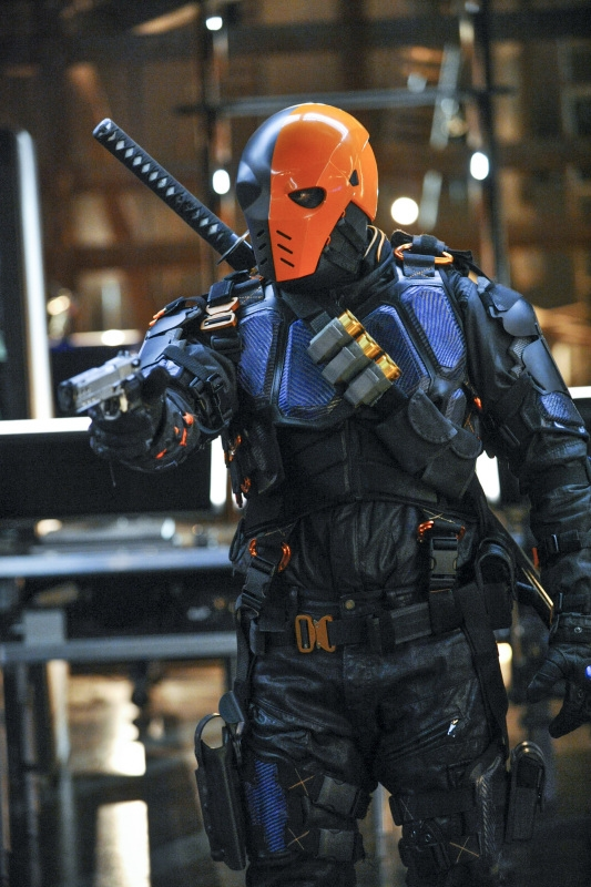 Arrow: una scena dell'episodio The Man Under the Hood, della seconda stagione
