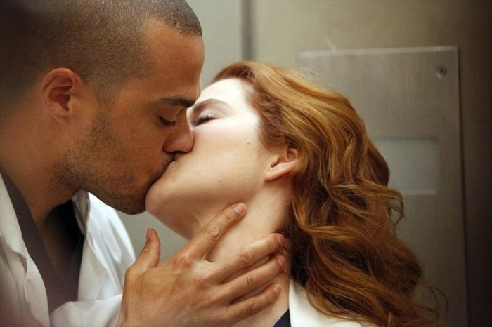 Grey's Anatomy: Sarah Drew, Jesse Williams nell'episodio You Be Illin'