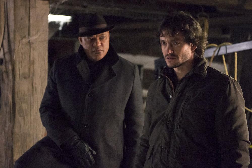 Hannibal: Hugh Dancy e Laurence Fishburne in una scena dell'episodio Yakimono, della seconda stagione