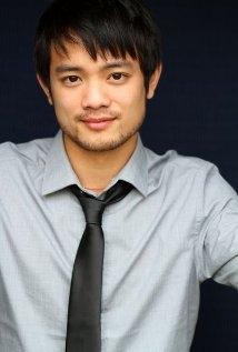 Una foto di Osric Chau