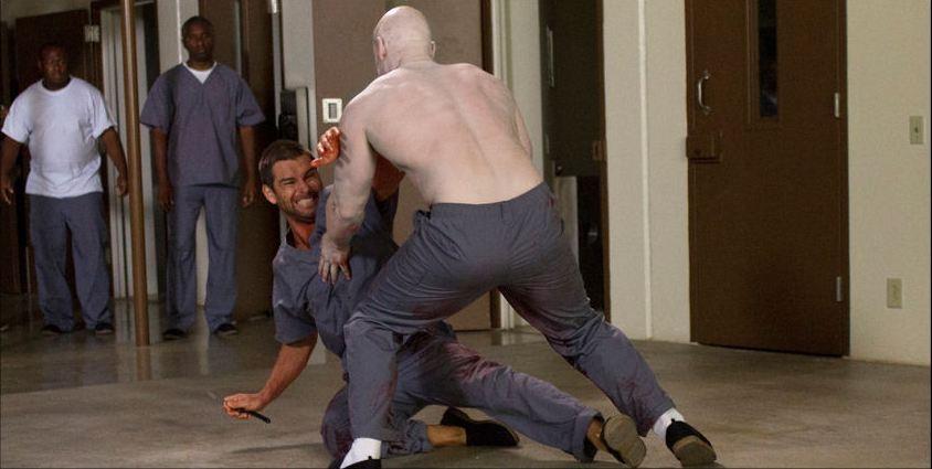 Banshee: Antony Starr in una scena d'azione dell'episodio Wicks, della prima stagione