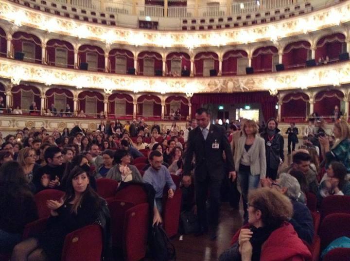 Cristina Comencini al Bif&st 2014 al suo ingresso al Teatro Petruzzelli per la lezione di cinema