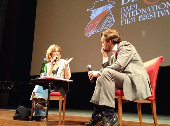 Cristina Comencini al Bif&st 2014 sul palco del Teatro Petruzzelli durante la lezione di cinema