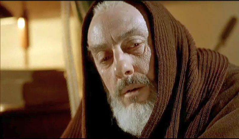 Sergio Castellitto in una scena di Padre Pio