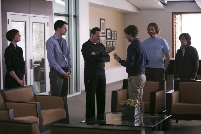 Silicon Valley: Matt Ross, Jill E. Alexander, Zach Woods, T.J. Miller, Thomas Middleditch e Josh Brener in una scena