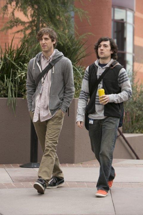 Silicon Valley: Thomas Middleditch e Josh Brener in una scena