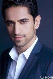Una foto di Ali Momen