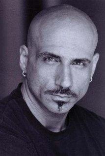 Una foto di Constantine Varazo