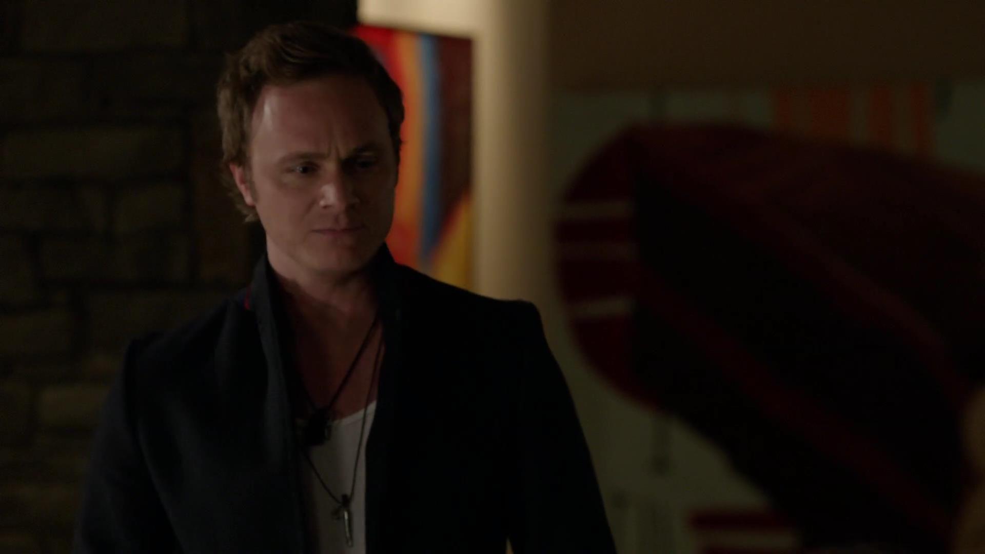Arrow: David Anders nell'episodio Tradimento,della prima stagione