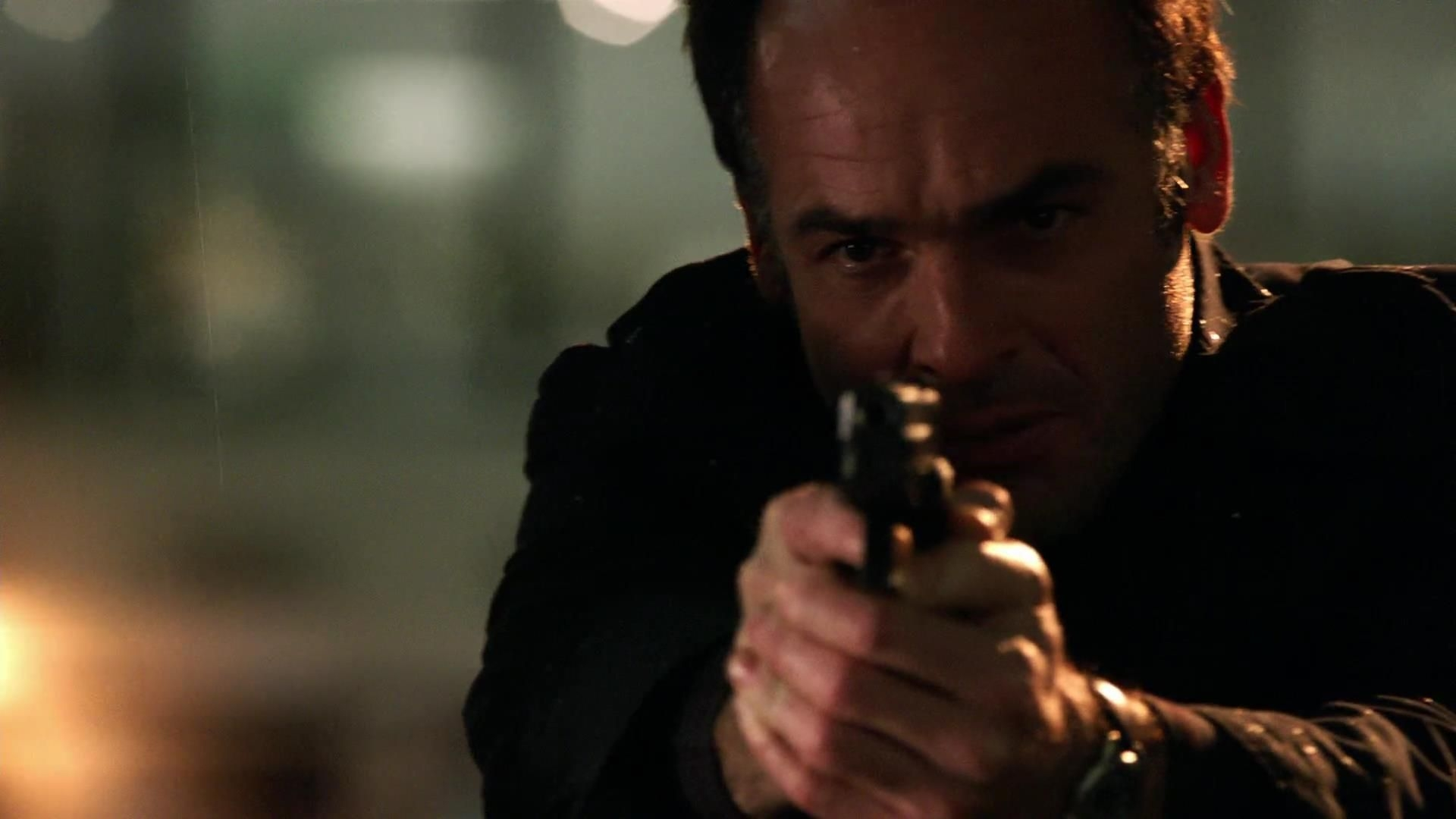 Arrow: Paul Blackthorne nell'episodio Tradimento