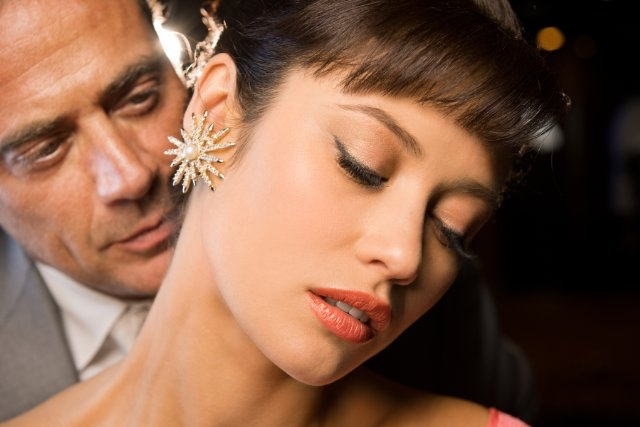 Magic City: Jeffrey Dean Morgan ed Olga Kurylenko in una foto promozionale