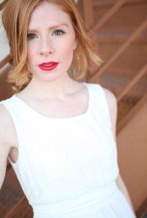 Una foto di Amber Sutphin
