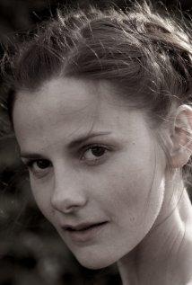 Una foto di Louise Brealey