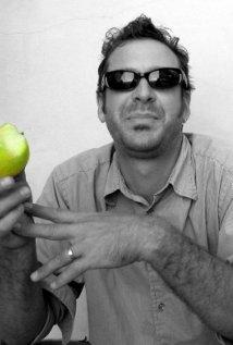 Una foto di Luke Rothschild