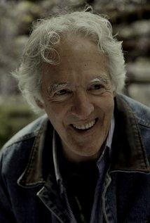 Una foto di John Klein