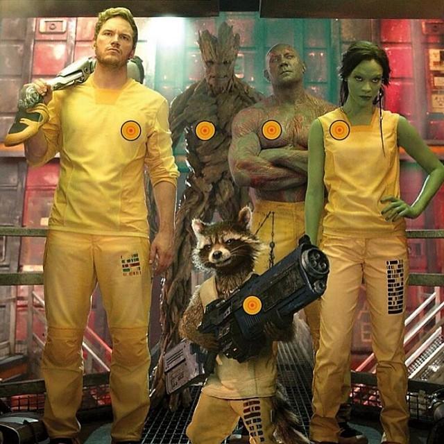 Guardians of the Galaxy: ecco Chris Pratt, Bradley Copper, Zoe Saldana e gli altri guardiani nella Galaxy Model Interstellar Prison Garb