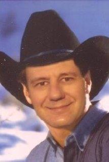 Una foto di Gus Rhodes